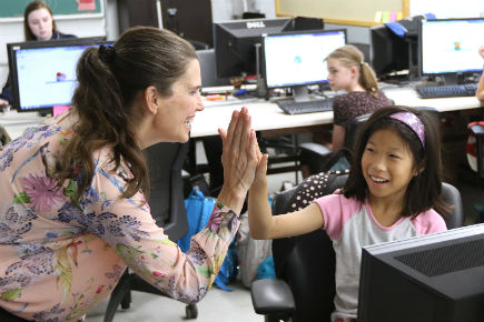 Read more about: Science Minister Kirsty Duncan visits Campers at Carleton's Virtual Ventures