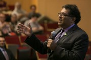 Naheed Nenshi Recounts Calgary Flood Relief Efforts during Currents Lecture at Carleton