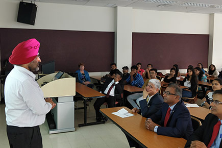 Read more about: Carleton's Canada-India Centre Hosts Orientation for Newly-Arrived Indian Students