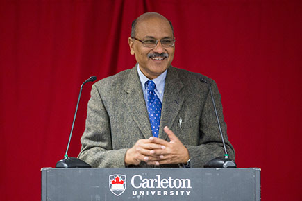Shekhar Gupta delivers the Dhahan Lecture at Carleton on October 25, 2016.