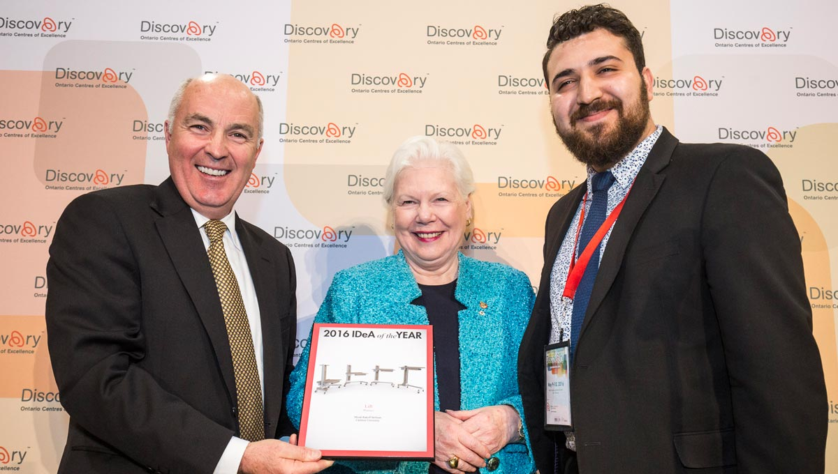 Carleton University Industrial Design student, Micah Rakoff Bellman, finished in first place at the annual Innovative Designs for Accessibility (IDeA) competition. He is celebrating with COU President David Lindsay and Ontario Lt. Gov. Elizabeth Dowdeswell.