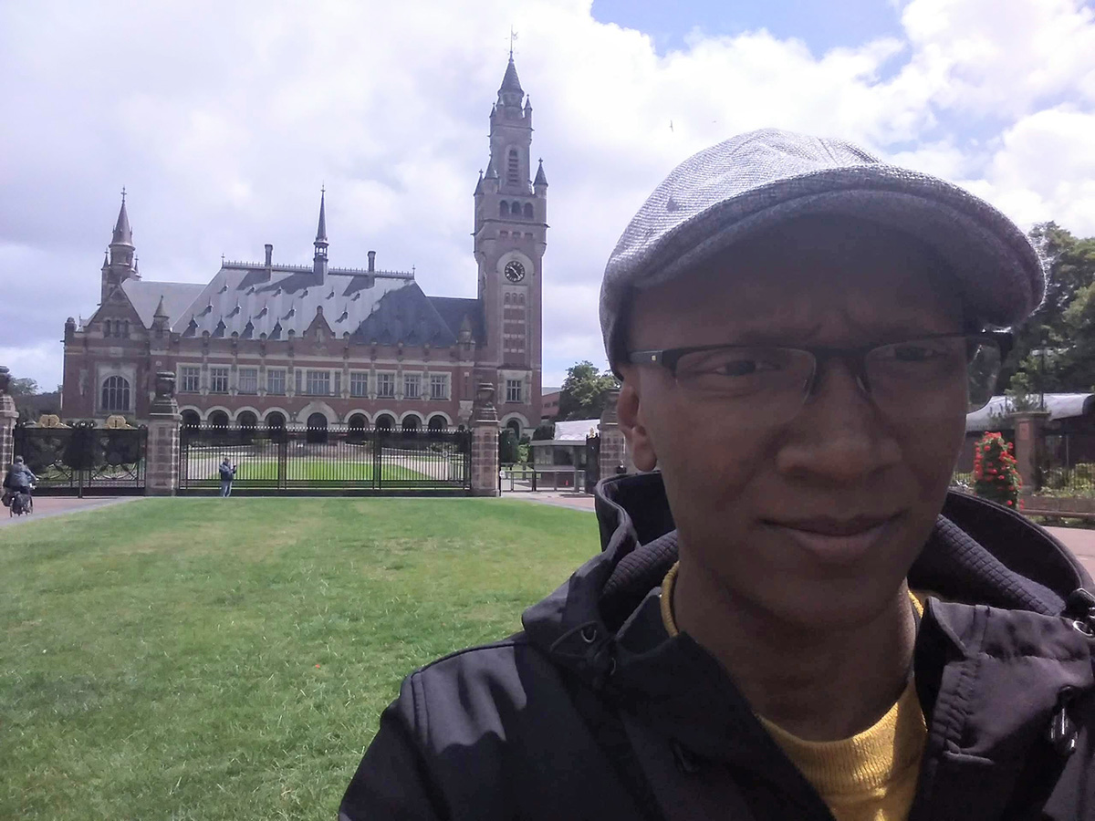 BGInS student Jordan Gray visited the International Court of Justice in the Peace Palace when he traveled to the Hague in the Netherlands as part of an international law course taught by Prof. Kamari Clarke.