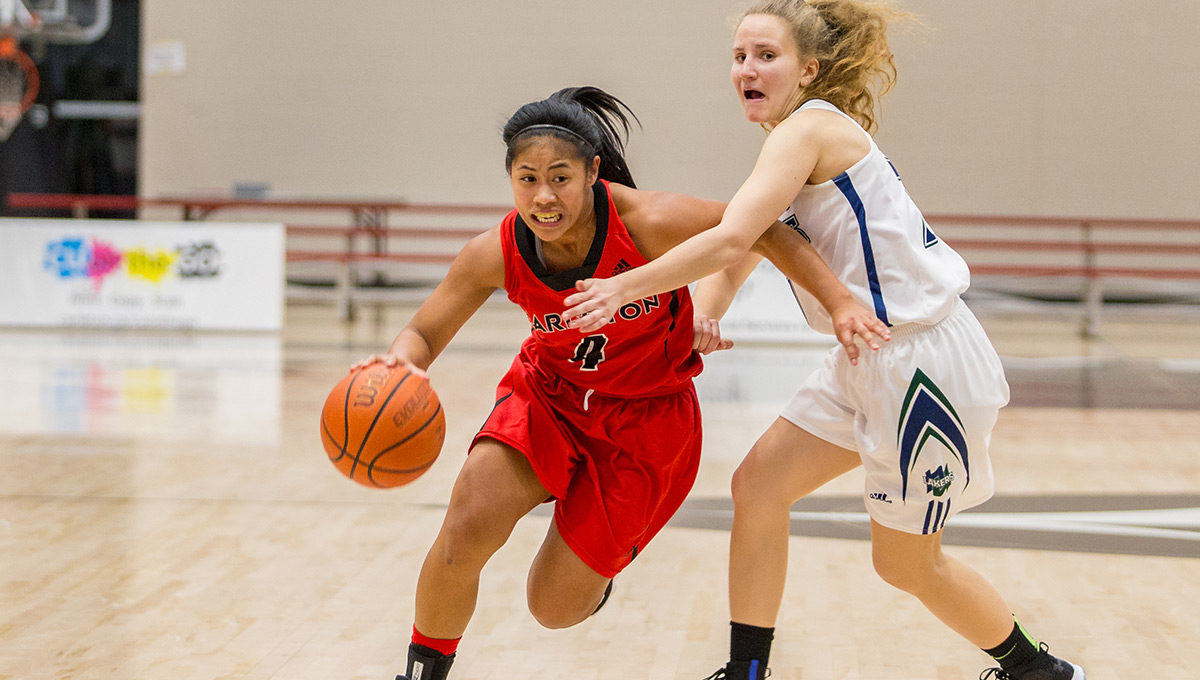 Carleton Women Surge on the Court