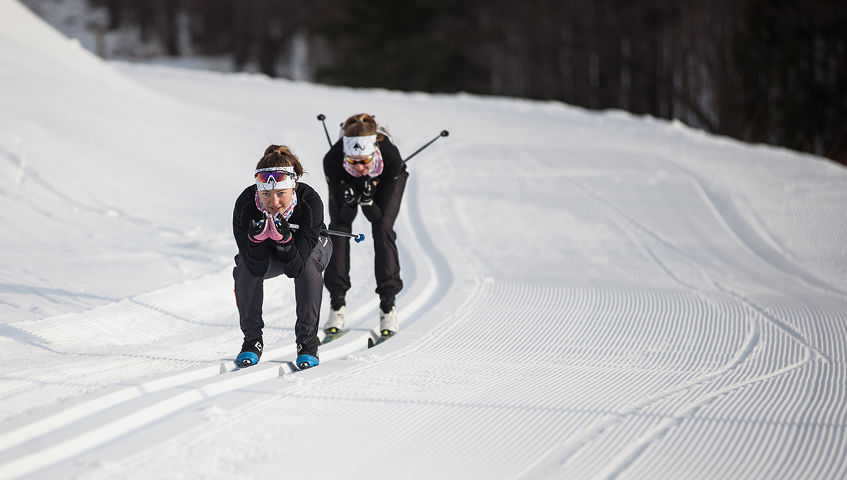 Carleton Ravens cross-country skiers in action