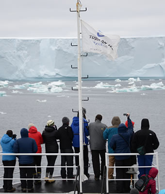 Earth Sciences Students Explore World's Farthest Reaches