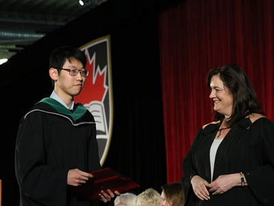 Photo for the news post: Spring Convocation 2018: Governor General's Medal Winner Recommends Strategies for Academic Success