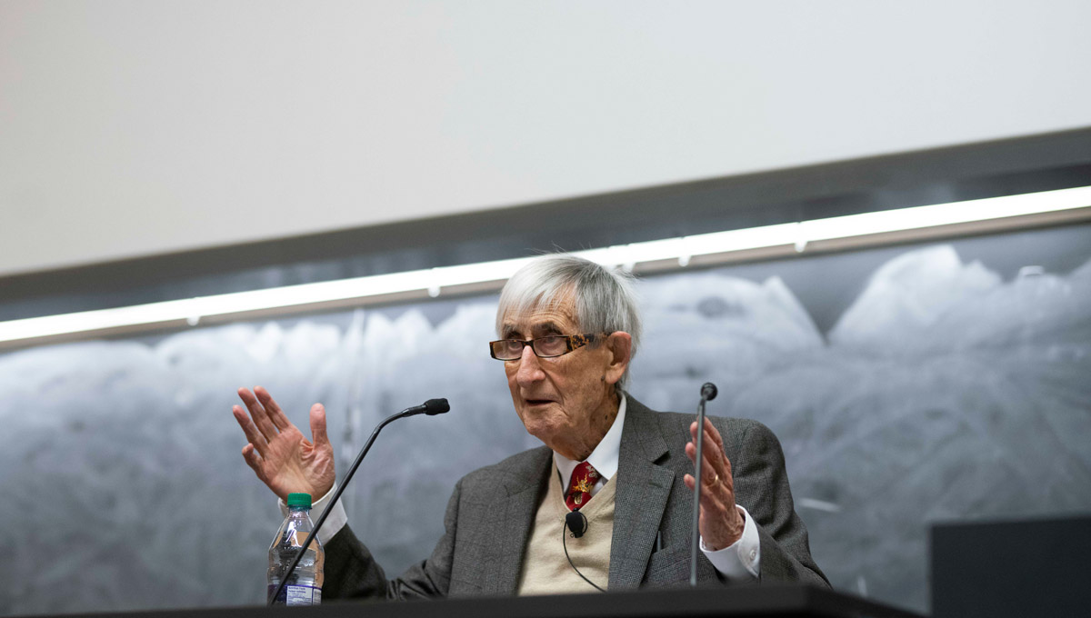 Carleton University's Faculty of Science and the School of Mathematics and Statistics hosted the 2018 Herzberg Lecture, Biological and Cultural Evolution: Six Characters in Search of an Author, presented by celebrated mathematician and theoretical physicist, Freeman Dyson.