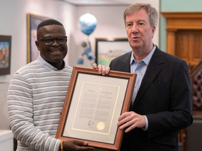 Photo for the news post: Mayor Jim Watson Declares Carleton University — Queen Elizabeth Scholar Day