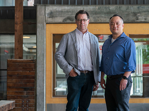 Photo of Prof. Benjamin Gianni and Calvin Tong of Carleton University.