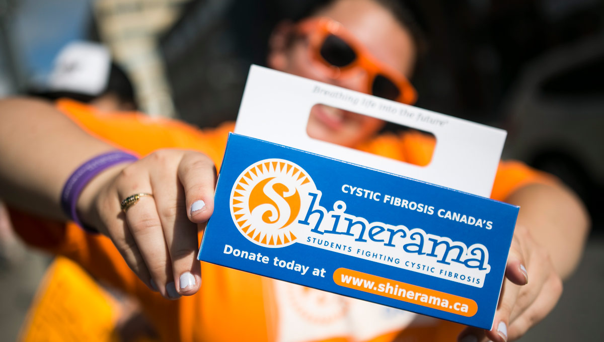 New students took to the streets of Ottawa on Sept. 7, 2018 for the annual Shinerama Fundraiser in support of cystic fibrosis research.