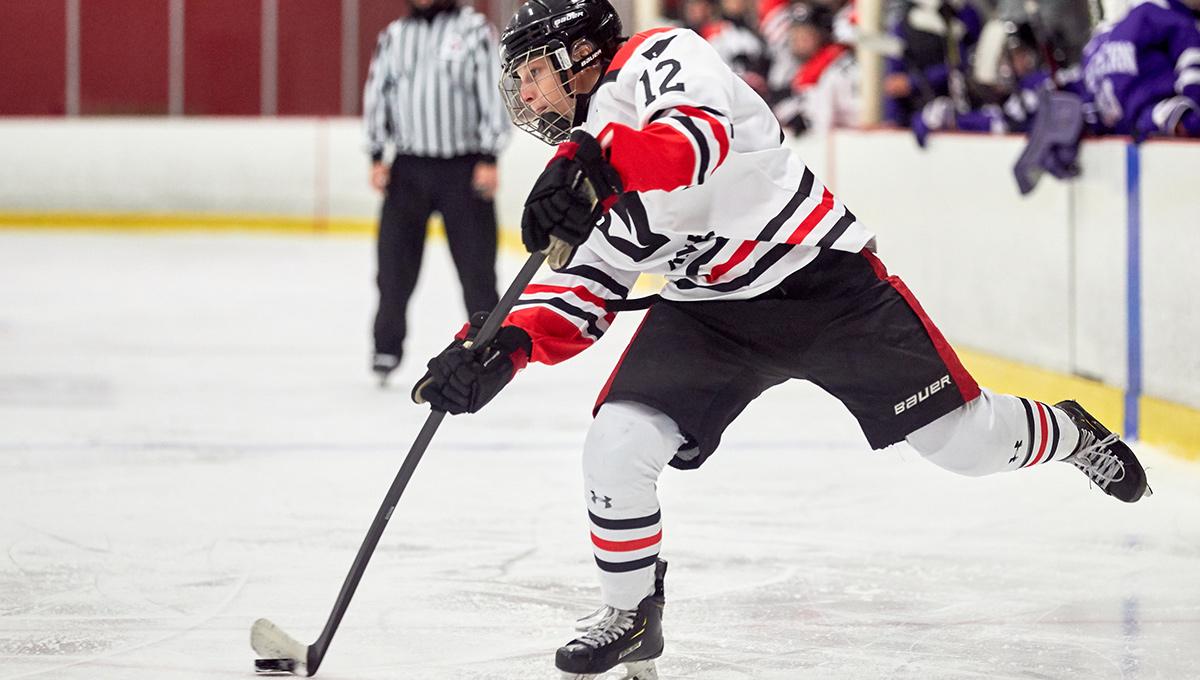 Leah Scott playing hockey