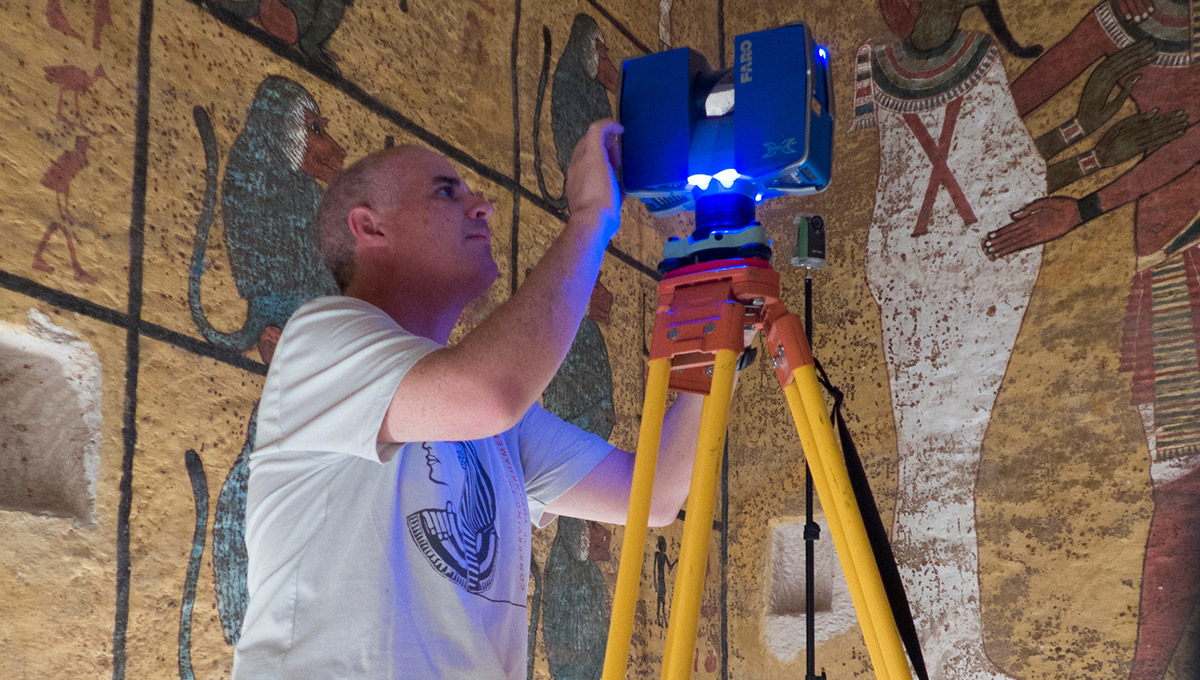 Documenting the Tomb of King Tutankhamen