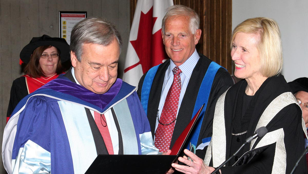 Carleton University awarded an honorary degree to Antonio Guterres, who served for a decade as United Nations (UN) High Commissioner for Refugees (UNHCR), on Jan. 29, 2016.